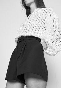 Claudie Pierlot - ELGA - Shorts - noir - 5