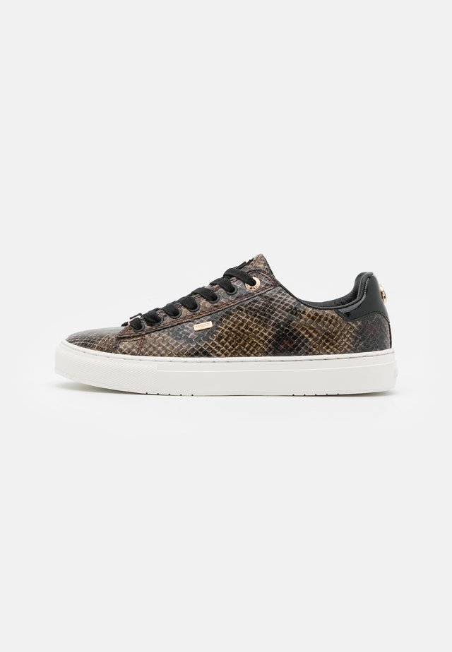 CRISTA - Sneakers - black/brown