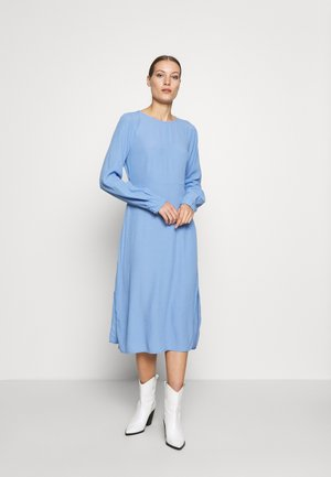 BERTA DRESS - Sukienka letnia - blue oase