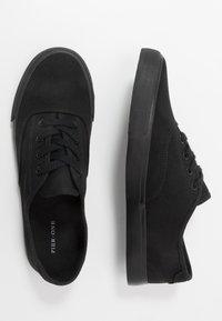 Pier One - UNISEX - Trainers - black - 1