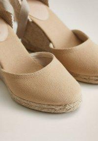 Mango - High heels - ecru - 5