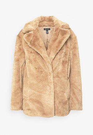 WINNIE - Winter jacket - camel