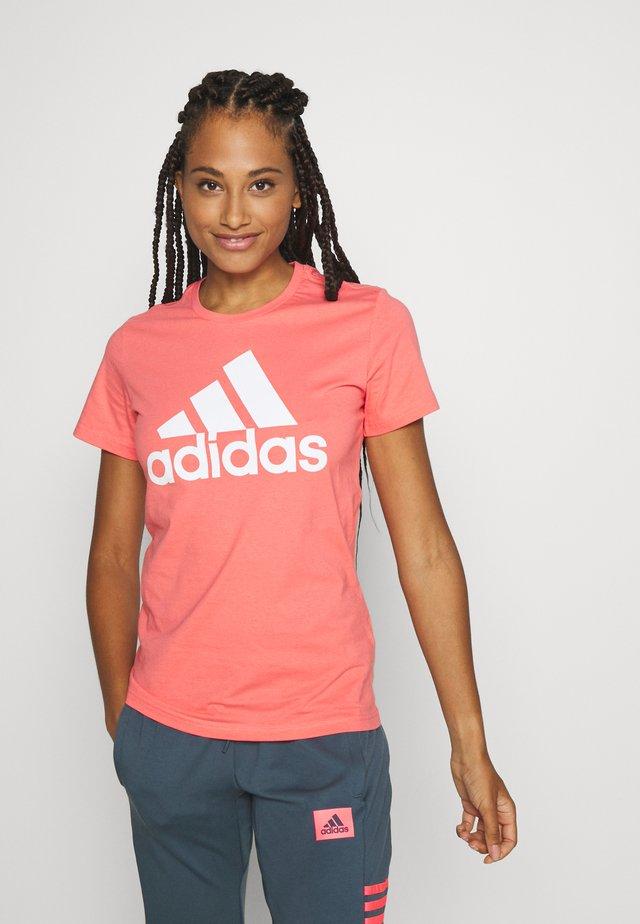 BOS TEE - T-shirt imprimé - orange/white