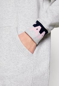 Tommy Jeans - BRANDED - Robe d'été - silver grey - 6