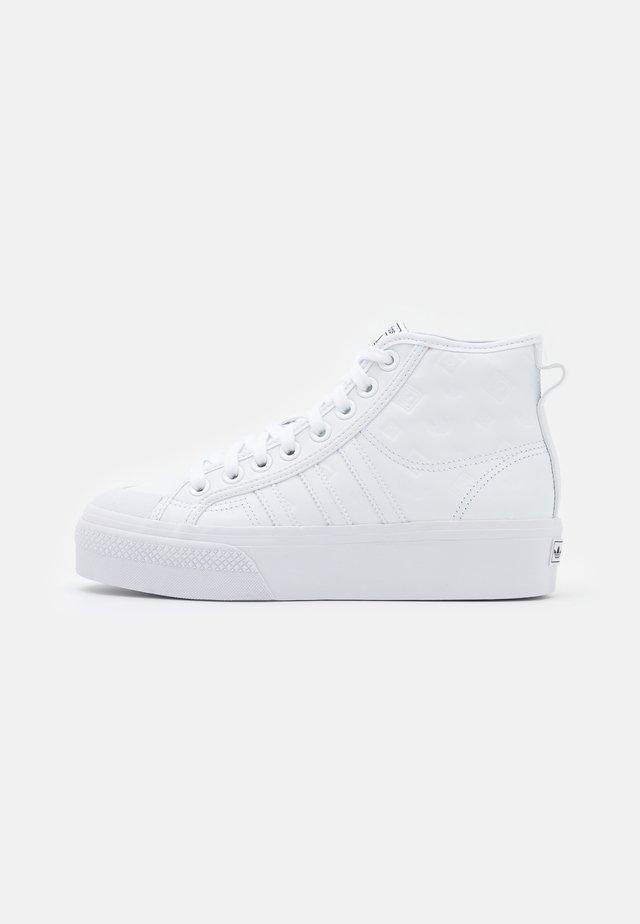NIZZA PLATFORM MID - Zapatillas altas - footwear white/core black