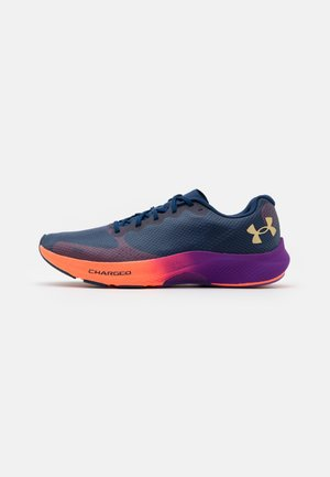 CHARGED PULSE - Zapatillas de running neutras - blackout navy