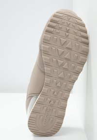 Skechers Sport - EXCLUSIVE - Trainers - natural - 6