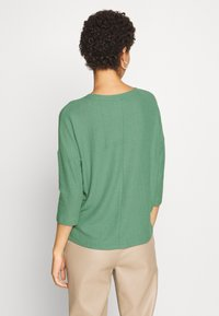 TOM TAILOR DENIM - BATWING TEE - Long sleeved top - vintage green - 2