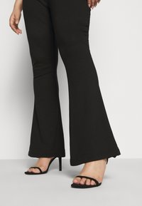 Even&Odd Curvy - SEMI FLARED - Leggings - black - 5
