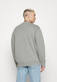 Levi's® - CREWNECK UNISEX - Maglione - grey heather - 2
