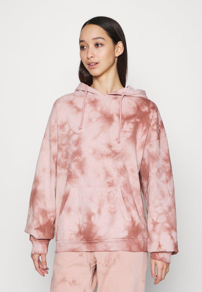 Topshop - TIE DYE HOODY - Sweatshirt - pink