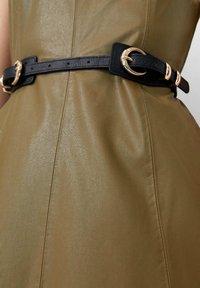 Stradivarius - Waist belt - black - 2