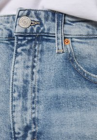 Tommy Jeans - MOM - Relaxed fit jeans - cony light blue comfort destructed - 3