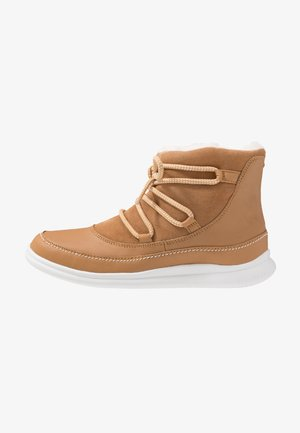 CLOUD ALPINE - Classic ankle boots - tan