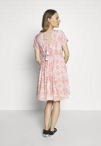 Mara Mea - HOUSE OF COLOURS - Korte jurk - light pink - 2