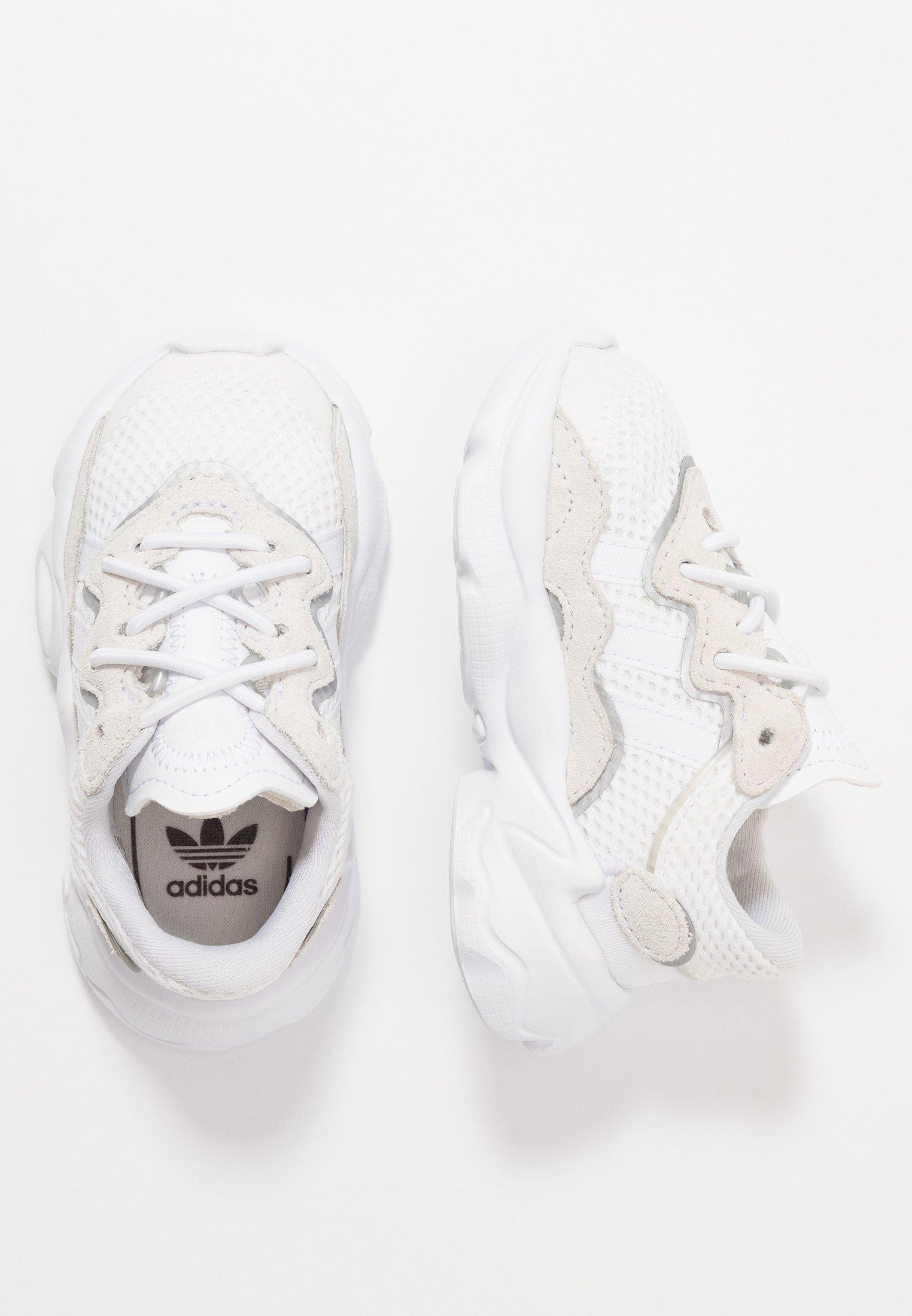 brindis creencia Pericia  adidas Originals OZWEEGO - Mocasines - footwear white/core black/blanco -  Zalando.es