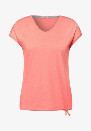 MIT SMOK-DETAILS - Basic T-shirt - orange