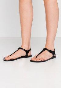 EA7 Emporio Armani - Pool shoes - black - 0