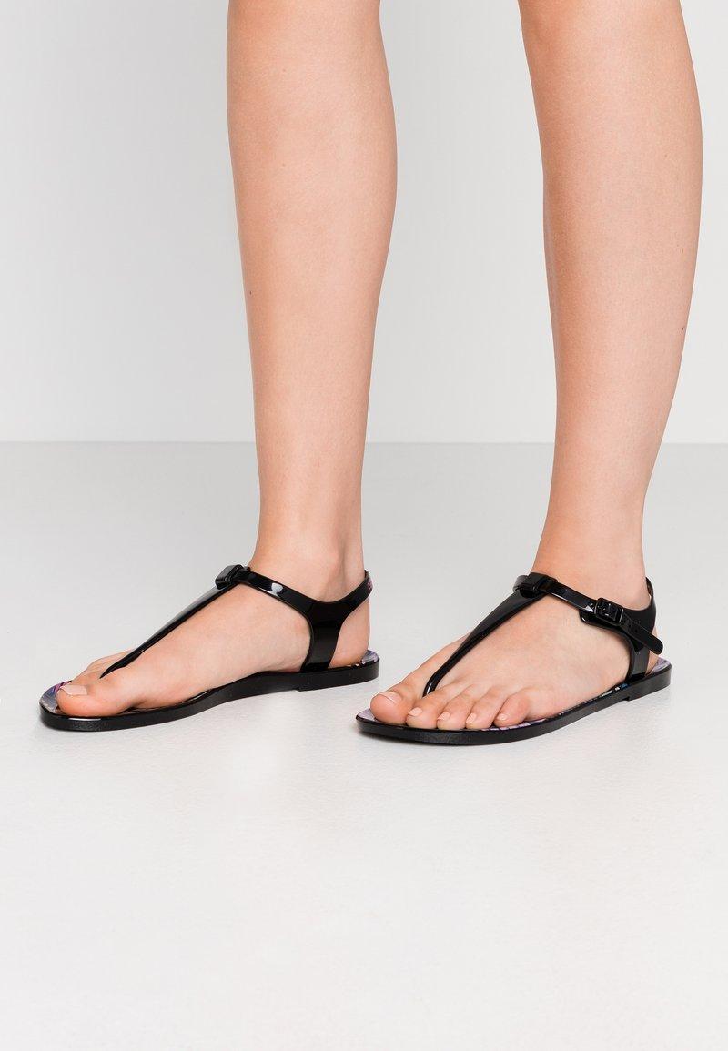 EA7 Emporio Armani - Pool shoes - black