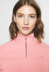 Levi's® - POM QUARTER ZIP - Sweatshirt - blush - 6