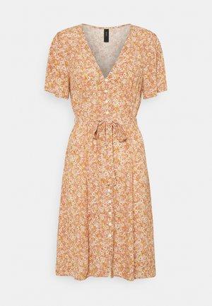 YASFARINA SHORT DRESS - Day dress - golden straw