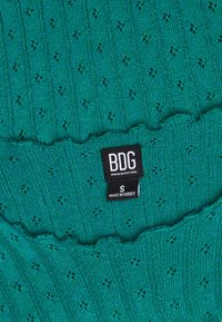 BDG Urban Outfitters - POINTELLE TEE - T-shirts med print - teal - 2