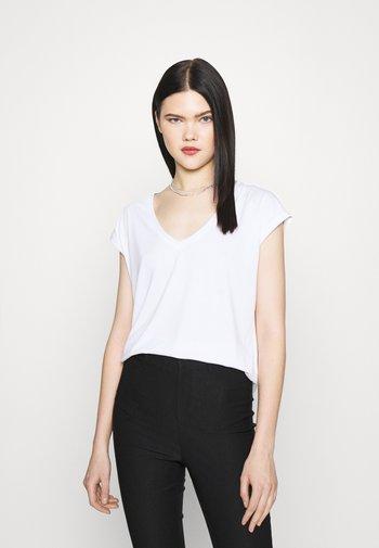 VMFILLI V NECK TEE - Basic T-shirt - bright white