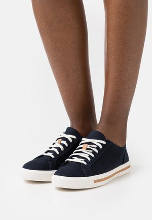 MAUI LACE - Trainers - navy