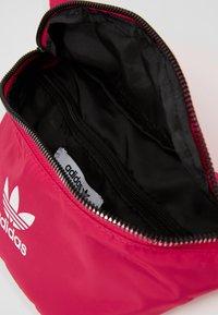 adidas Originals - WAISTBAG - Vyölaukku - pink - 4