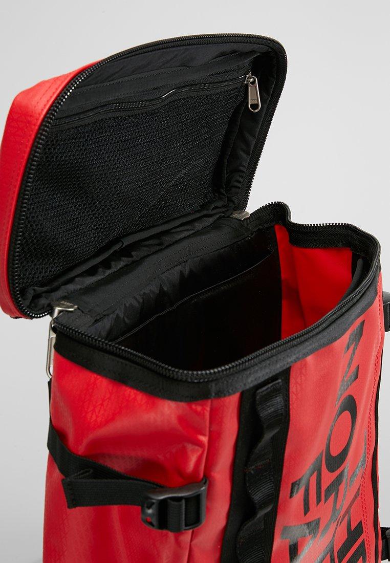 The North Face BASE CAMP FUSEBOX - Tagesrucksack - red/rot - Herrentaschen 0wxTm