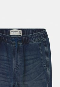 Abercrombie & Fitch - SNEAKER - Relaxed fit jeans - dark-blue denim - 2