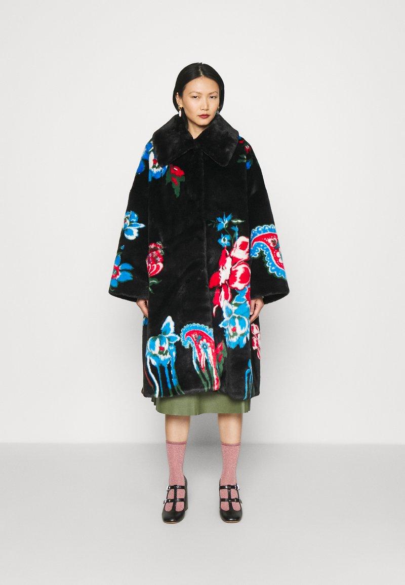 Vivetta - FUR COAT - Classic coat - black