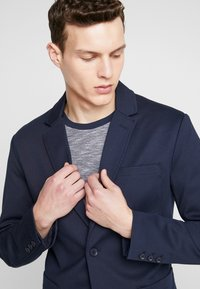 Only & Sons - ONSMARK - Sako - night sky - 3