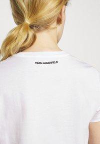 KARL LAGERFELD - MINI 3D IKONIK  - T-Shirt print - white - 5