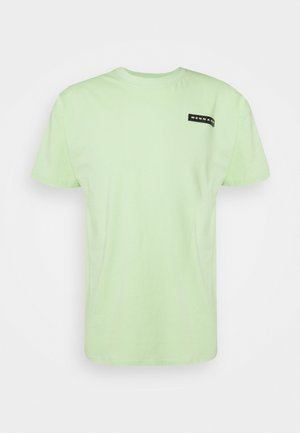AFTERMATH RUBBER BADGE REGULAR UNISEX - T-shirt imprimé - neon green
