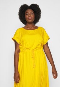 MY TRUE ME TOM TAILOR - DOBBY DRESS - Sukienka letnia - deep golden yellow - 3