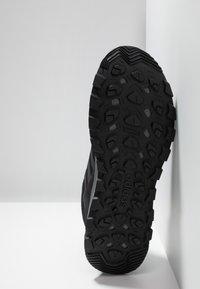 adidas Performance - RESPONSE TRAIL - Løbesko trail - core black/grey six - 4