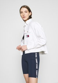 Tommy Jeans - CROPPED UTILITY - Camisa - white - 3