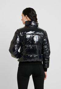Calvin Klein Jeans - SHINY PUFFER JACKET - Zimní bunda - black - 2