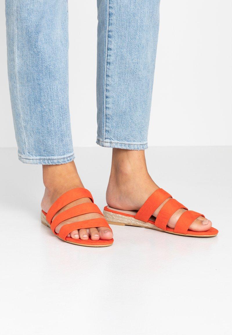 Dorothy Perkins Wide Fit - WIDE FIT FOREVER  - Pantofle - orange