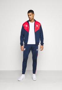 adidas Originals - Träningsjacka - collegiate navy/red/white - 1