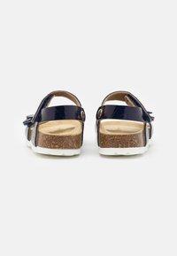 Superfit - FUSSBETTPANTOFFEL - Sandals - blau - 2