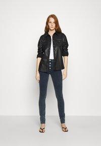 Calvin Klein Jeans - HIGH RISE SKINNY - Jeans Skinny Fit - blue grey shank - 1