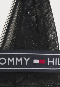 Tommy Hilfiger - AUTHENTIC LACE BRALETTE - Kaarituettomat rintaliivit - black - 6