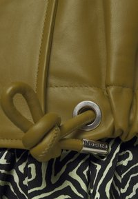 Proenza Schouler White Label - LIGHTWEIGHT DRAWSTRING WAIST JACKET - Leather jacket - military - 8