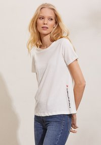 Odd Molly - DAPHNE - Print T-shirt - light chalk - 3