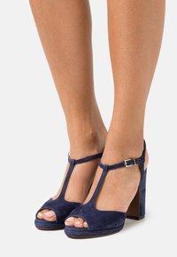 L'Autre Chose - High heeled sandals - abyss - 0