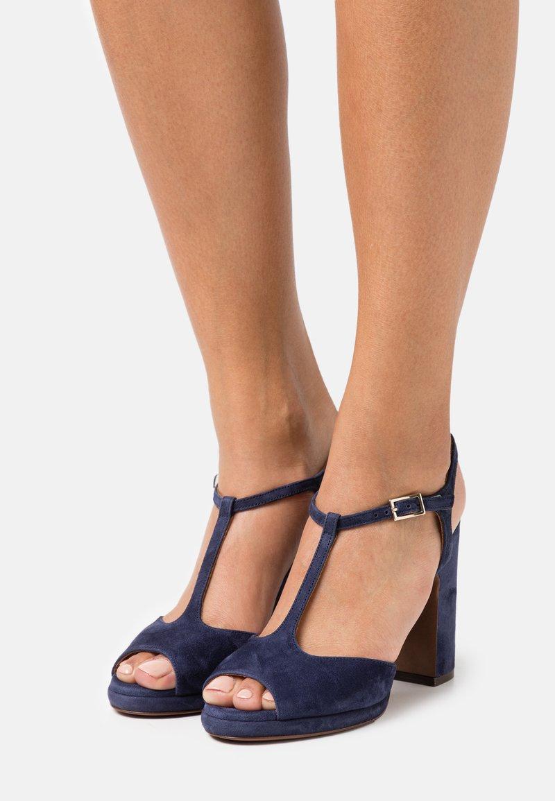 L'Autre Chose - High heeled sandals - abyss