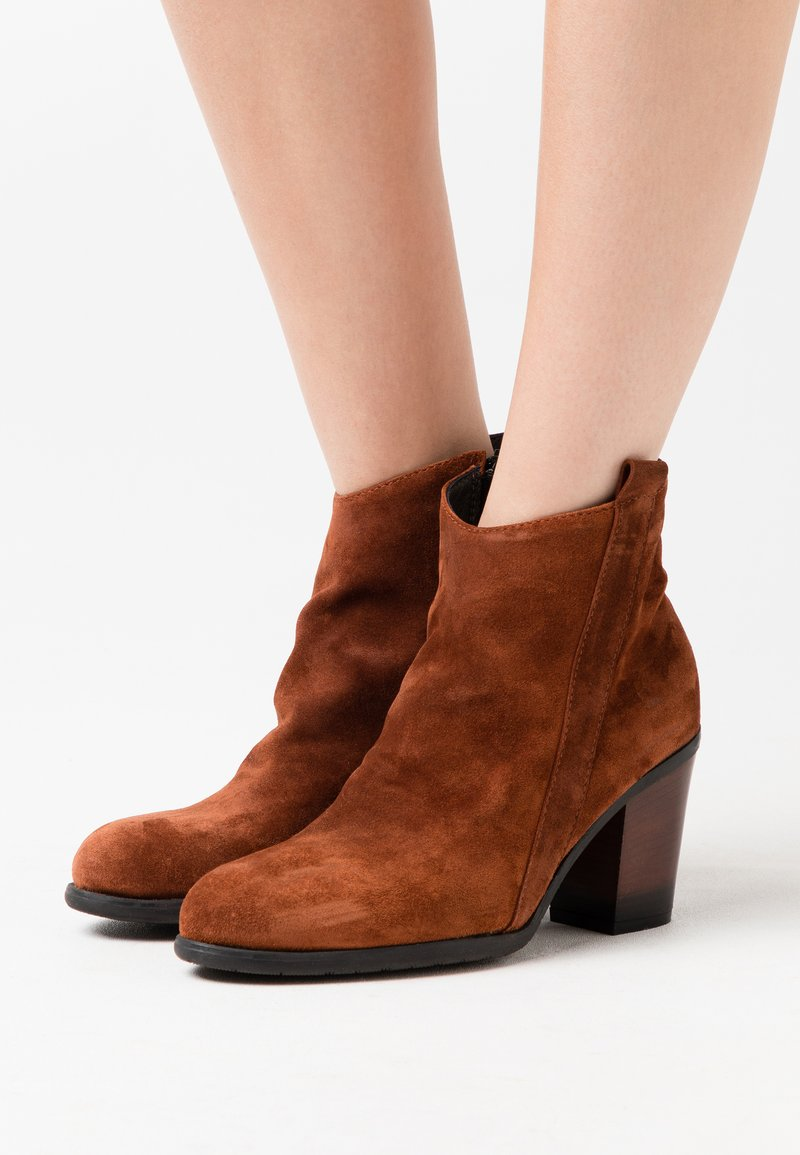 lilimill - Ankle boots - coroil almond