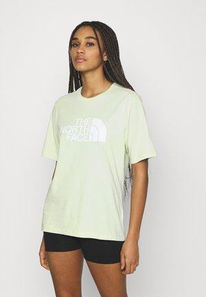 EASY TEE - T-shirts med print - green mist